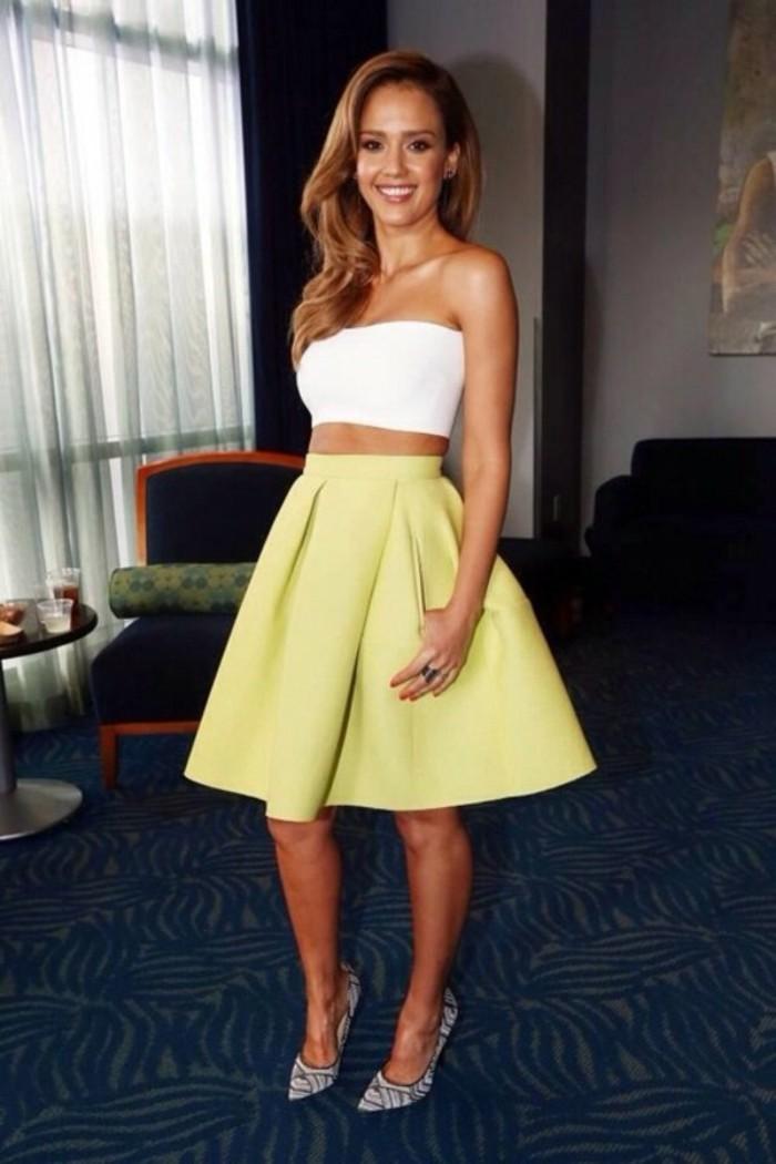 magnif-idée-tenue-ootd-jupe-blanche-jupe-fourreau-mini-jupe-femme-celebre