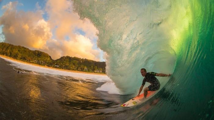 magnifique-combinaison-billabong-combinaison-ion-sport-tenue-surf-cool-le-combinaison-surf-quiksilver