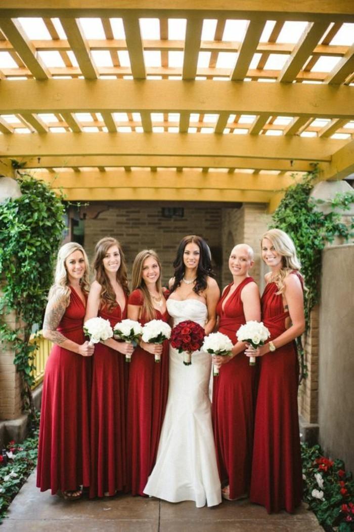 magnifique-robe-mariée-robe-soirée-robes-pour-mariage-originale