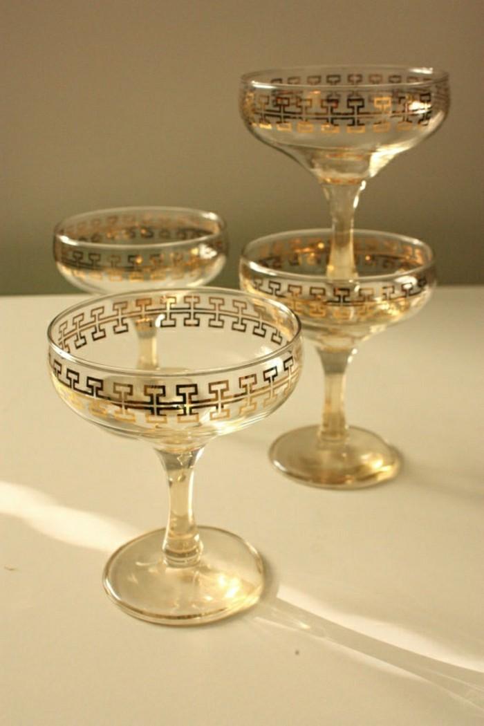 magnifique-verre-tulipe-champagne-verre-de-champagne-vintagé-dorees