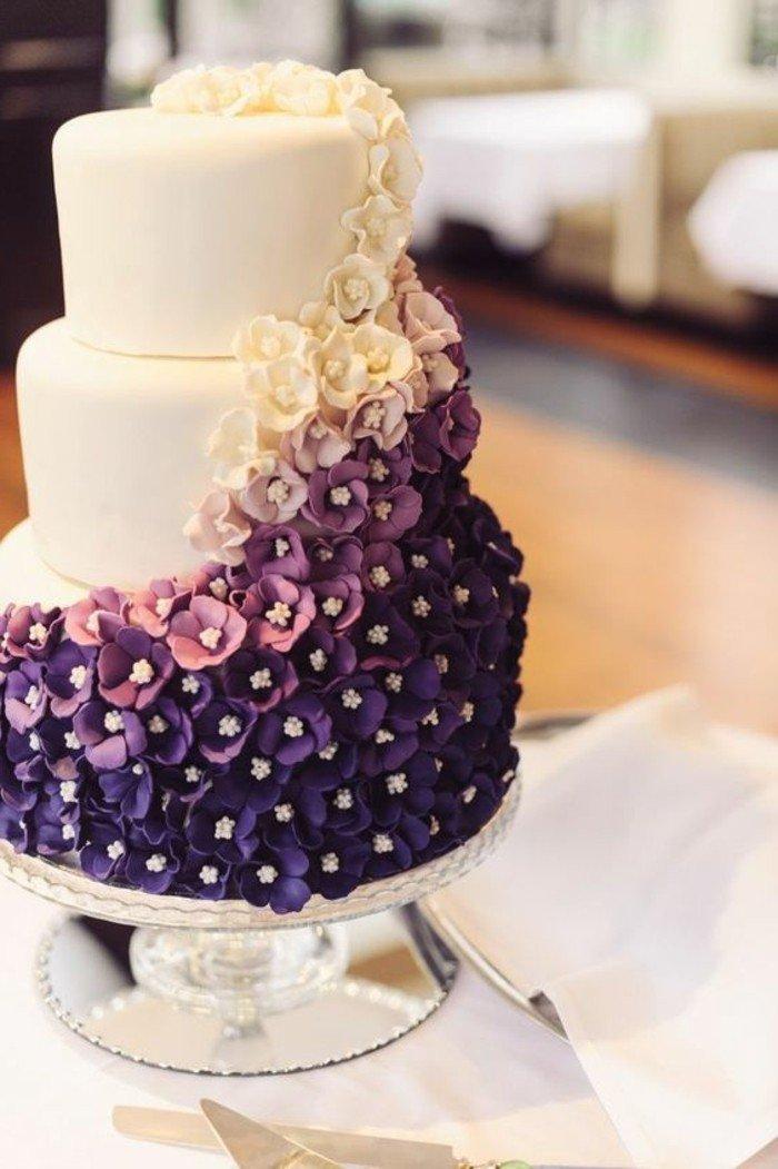 mauve-interessant-image-fleur-couleur-des-alpes-couleur-violette-pensee-fleur-violet-mariage-gâteau-fleurie