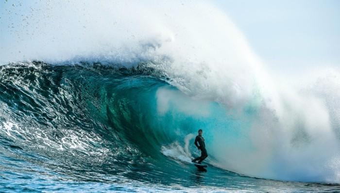 merveilleuse-combinaison-roxy-combinaison-surf-rip-curl-formidable-idée-originale-onde-cool