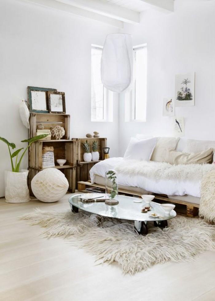 meubles-beiges-canape-en-fausse-fourrure-idee-deco-peinture-salon-salon-beige-et-blanc