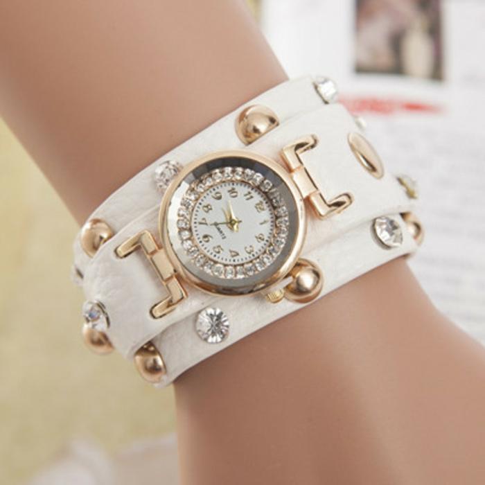 montre-cuir-femme-blanc-elements-metalliques-resized