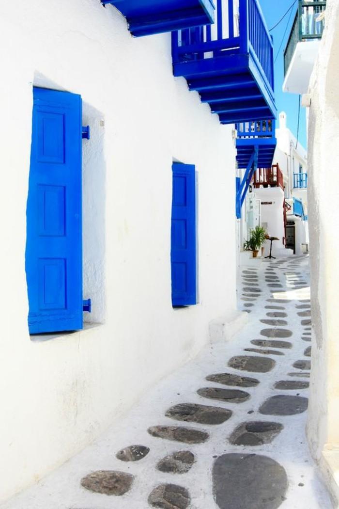 ou-aller-grèce-voyage-a-mykonos-vacances-en-grece-belle-maison-en-bleu-et-blanc