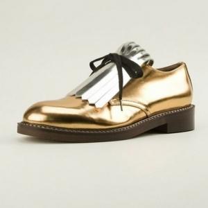 Savourez les dernières tendances chez les chaussures derbies!