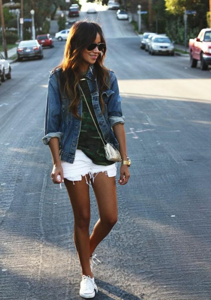 pantalon-court-femme-denim-blanc-femme-sneakers-femme-blancs-mode