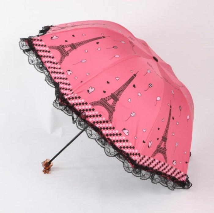 parapluie-pliant-Paris-avec-des-dentelles-noires-resized