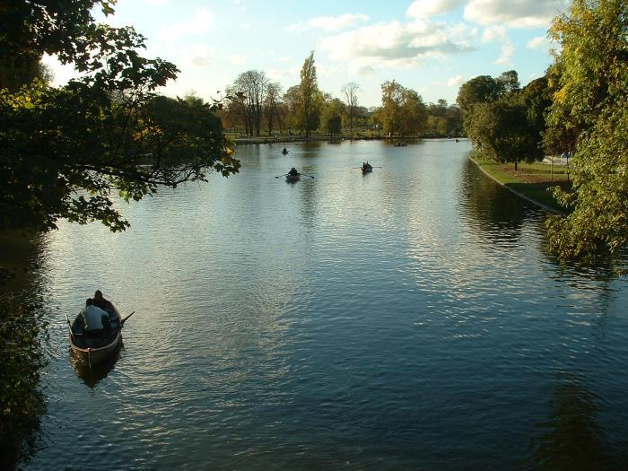 parc-floral-de-vincennes-lac-dans-la-foret-de-Vincennes
