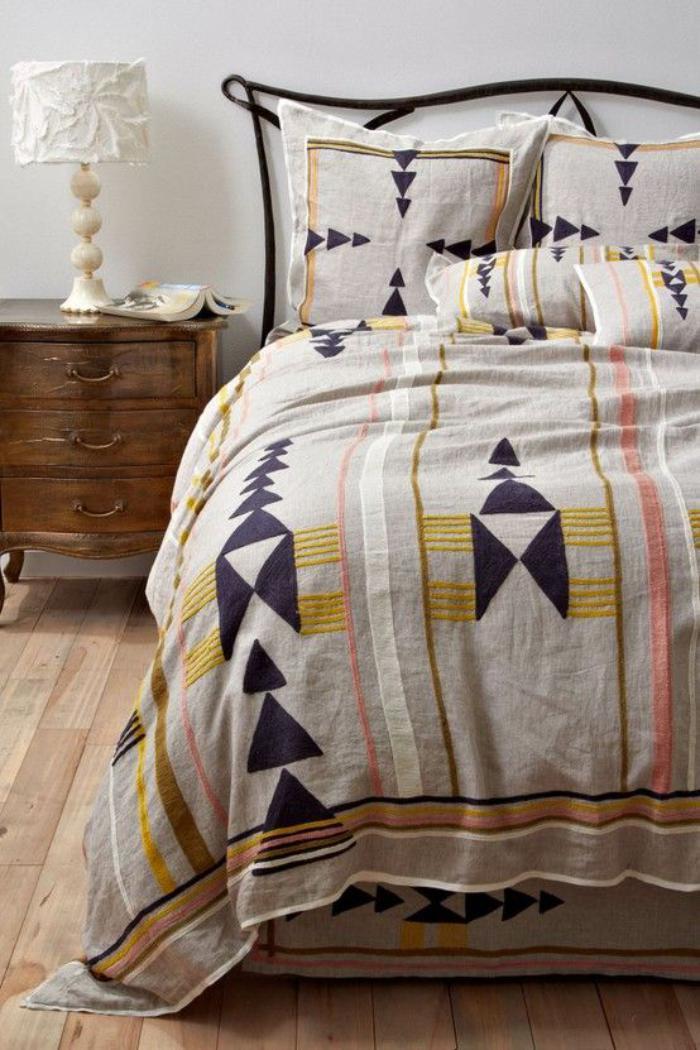 Parures de lit originales d coration facile pour la for Decoration pour lit