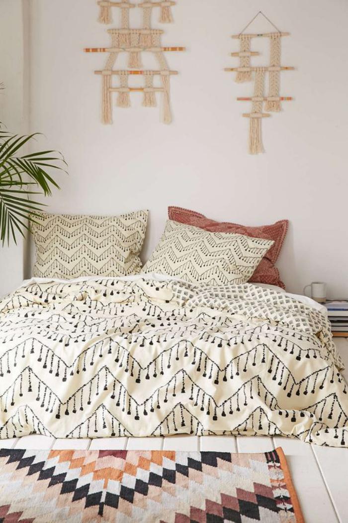 parures-de-lit-motifs-ethniques-chic-dans-la-chambre-à-coucher