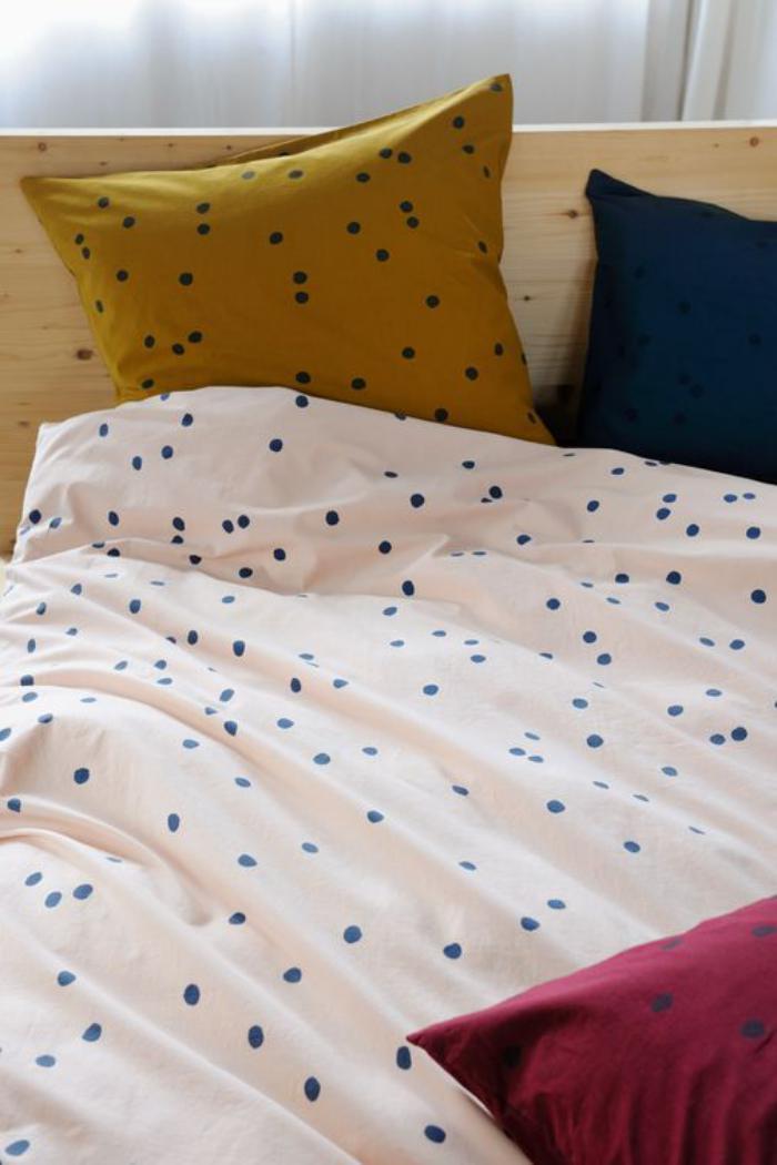 parures de lit originales d coration facile pour la chambre coucher. Black Bedroom Furniture Sets. Home Design Ideas
