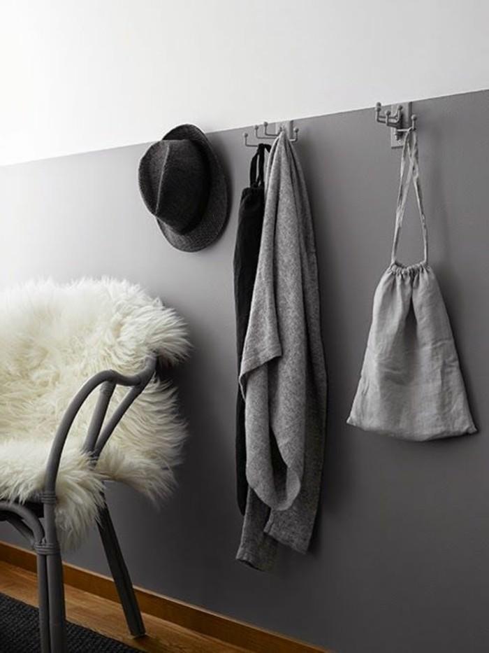 peinture-glycéro-mur-double-couleur-blanc-gris-sol-en-parquet-clair