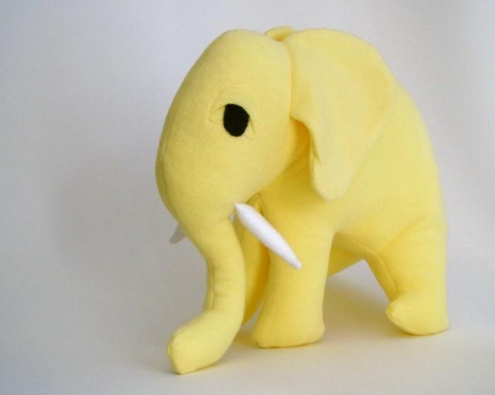 peluche-elepahnt-jaune-cadeau-enfant-geante-peluche-animal