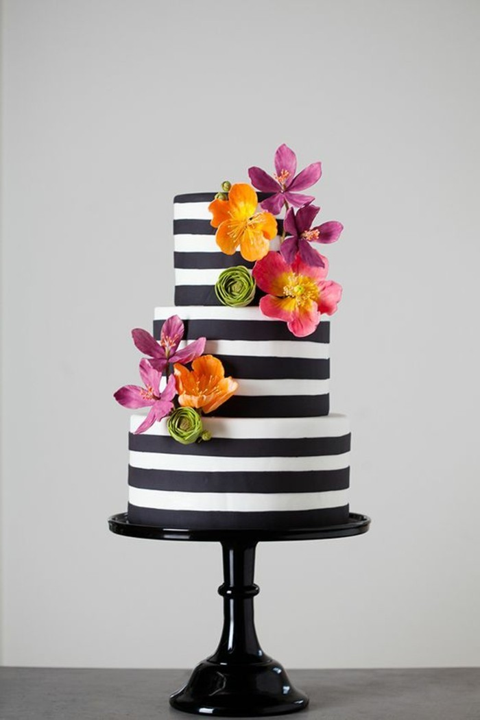 photo-gateau-anniversaire-photo-gateau-d-anniversaire-gateau-original-anniversaire-élégance-en-noir-et-blanc