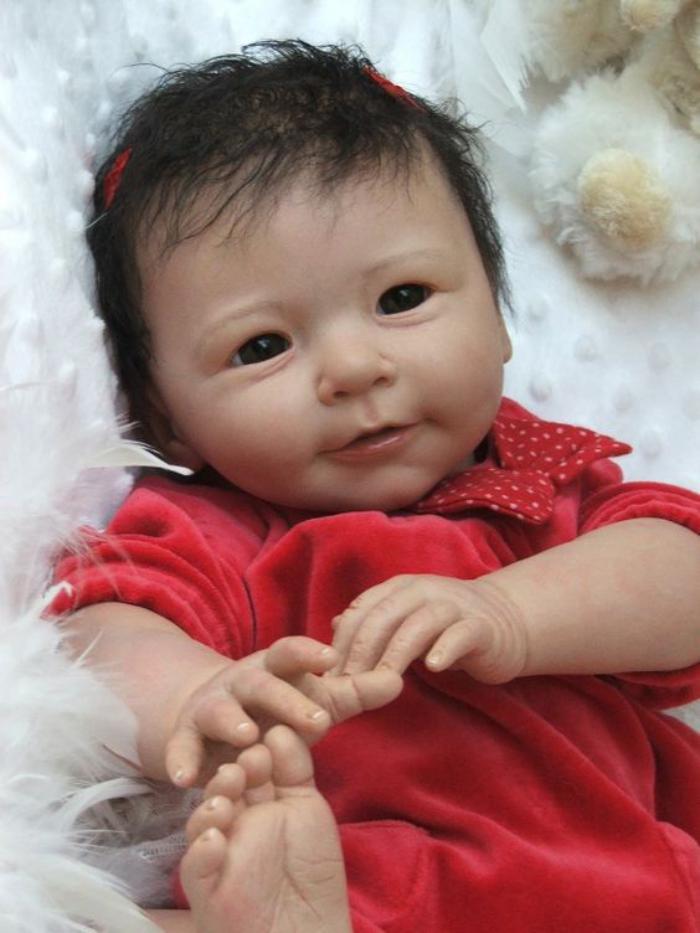 poupée-réaliste-imitation-de-vrai-bébé