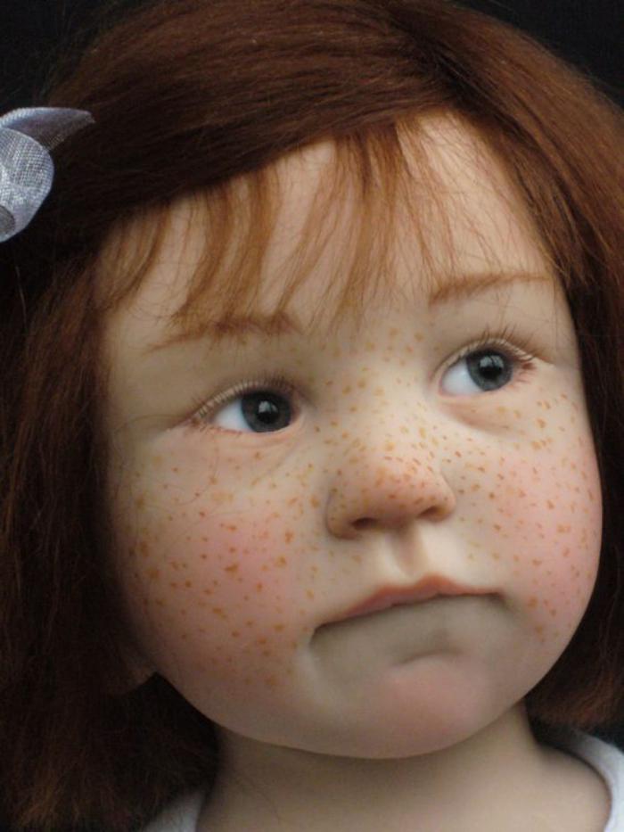 poupée-réaliste-petite-fille-en-silicone-hyper-réalistique