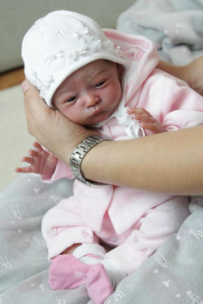 poupée-réaliste-poupées-imitations-de-vrais-bébés