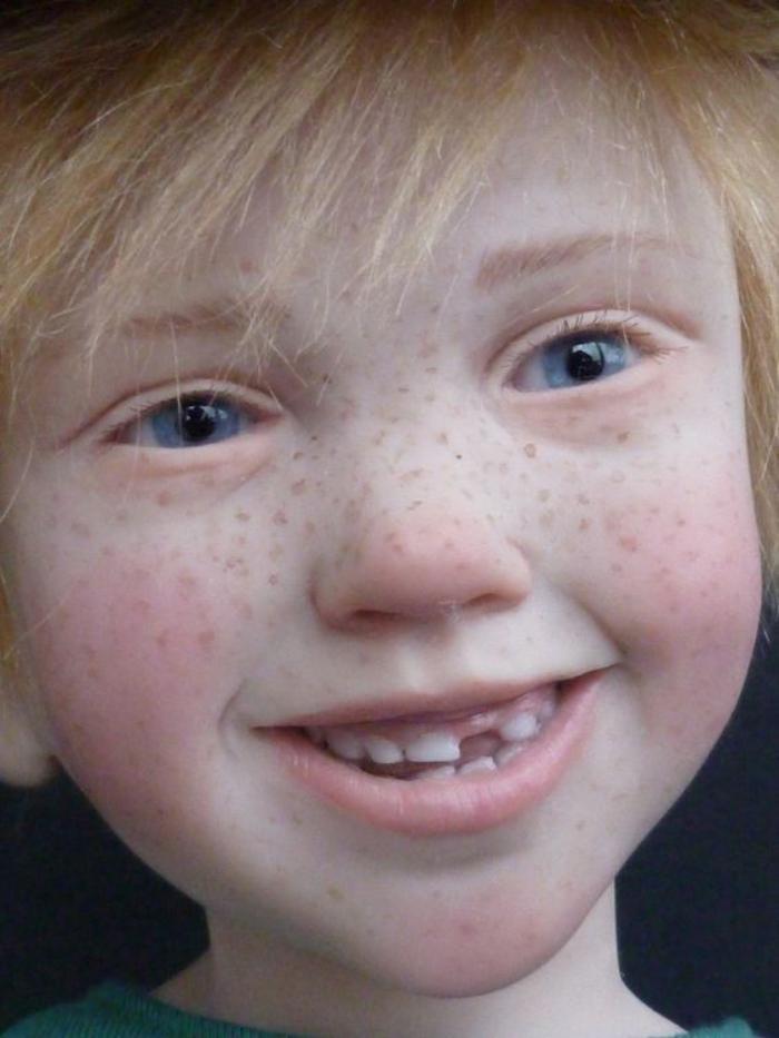 poupée-réaliste-poupées-réalistes-stupéfiantes-petit-garçon