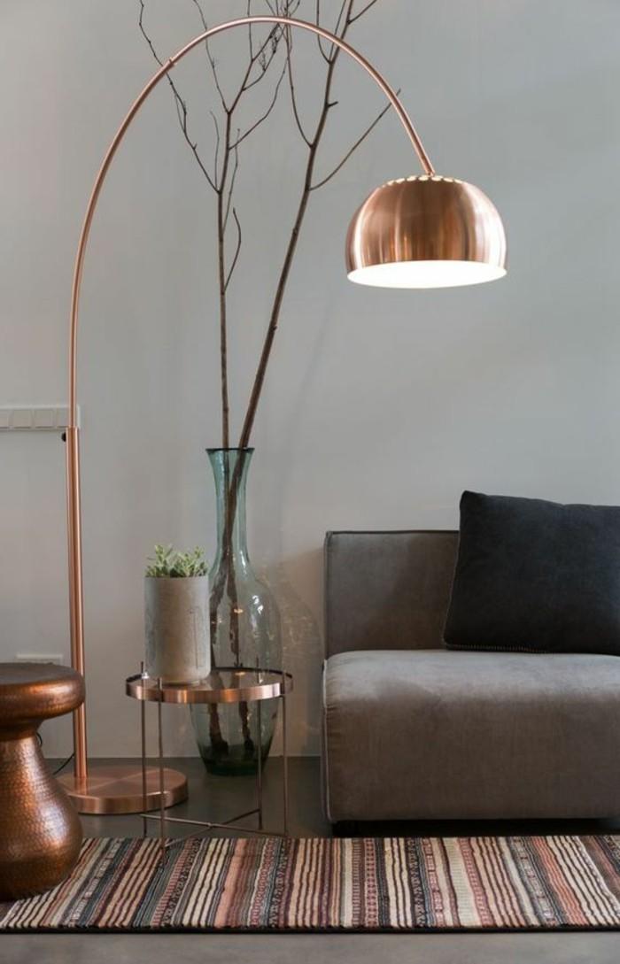quelle-couleur-pour-un-salon-idee-deco-peinture-salon-taupe-gris-noir-canapé-gris-mur-gris