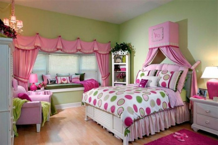 rideaux-chambre-fille-style-Cendrillon-escarpins-roses-resized