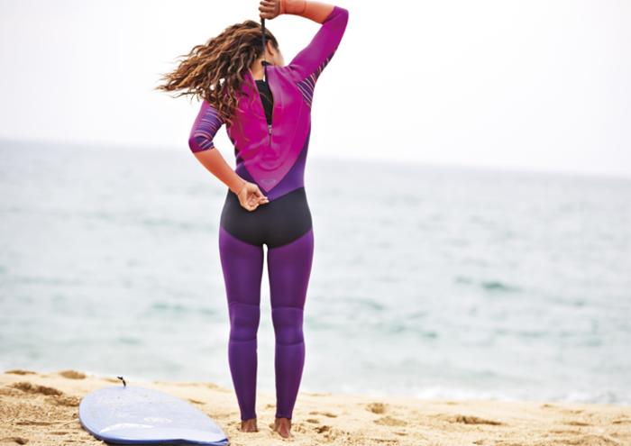 rip-curl-femme-combinaison-surf-pas-cher-s-habiller-bien-confort-a-la-plage-combinaison-bodyboard-combinaison-windsurf