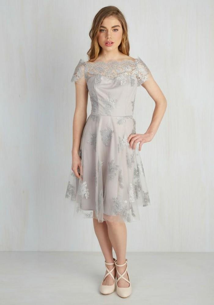 Robe temoin de mariage lyon id es et d 39 inspiration sur for Robes de mariage de juin