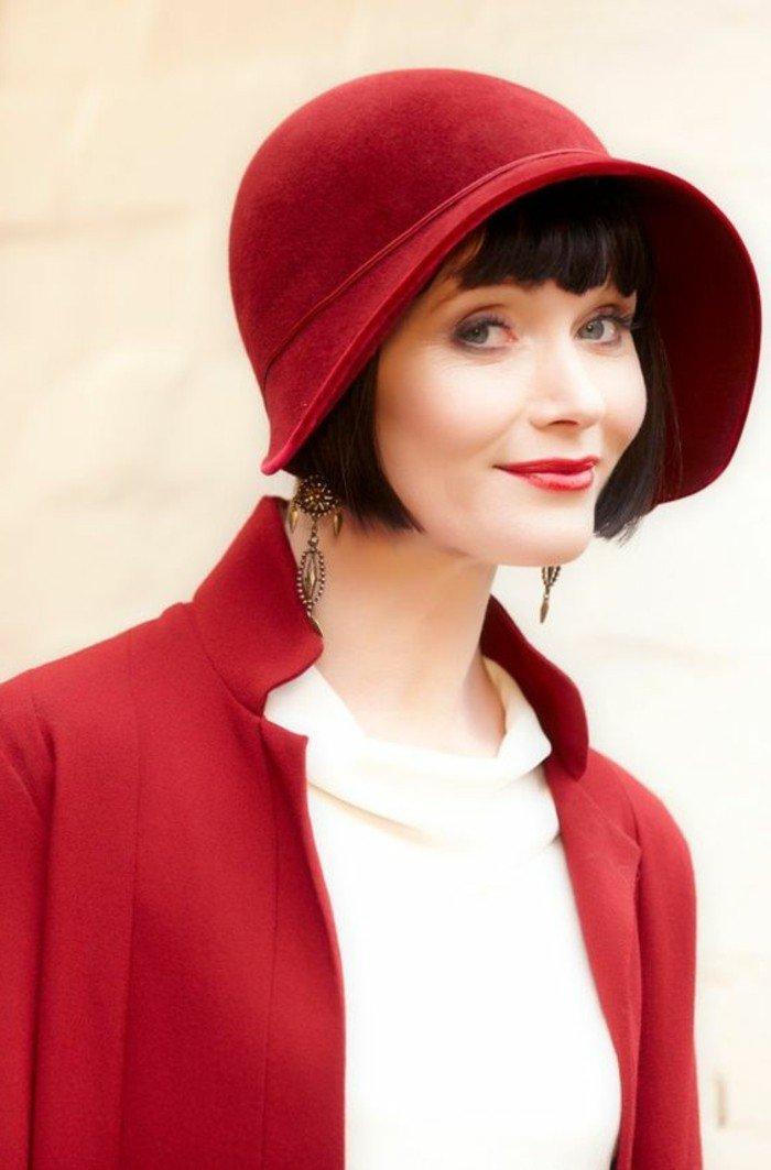 roter-Damen-Hut-in-1920er-Stil-inspiriert-von-The-Great-Gatsby