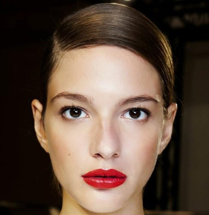 rouge-a-levres-longue-tenue-rouge-a-levres-sephora-rouge-a-levres-rouge-clair-pour-vos-levres-colorés-cheveux-marrons-yeux-marrons