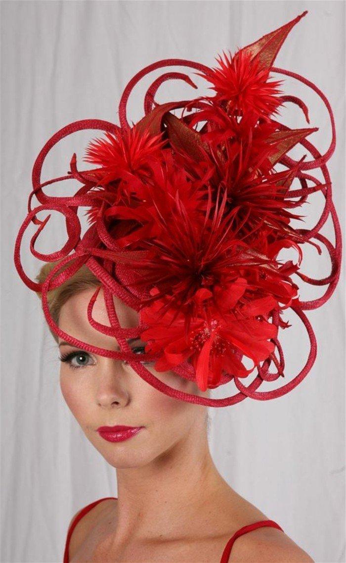rouge-vermillon-chapeau-élégante-une-idee-à-representer