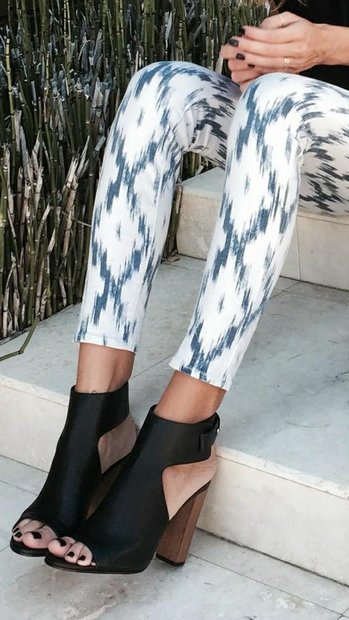 sandales-à-talons-sandales-noires-femmes-les-dernieres-tendances-chez-les-chaussures-femme