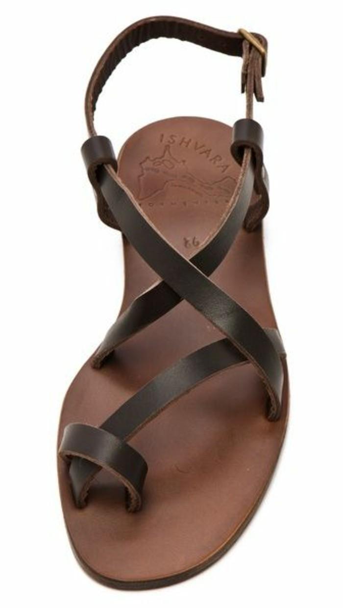 sandales-en-marron-foncé-design-2016-sandales-femme-modeles-chic