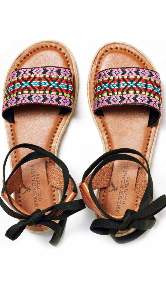 sandales-femme-design-moderne-spartiates-femme-sandales-plates-femme