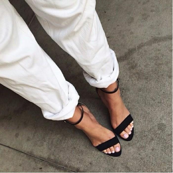 sandales-noires-femme-pas-cher-tendaces-pour-l-ete-2016