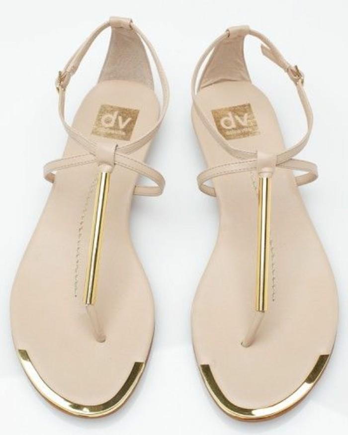 sandales-plates-femme-beiges-sandales-en-cuir-bege-les-dernieres-tendaces-de-la-mode