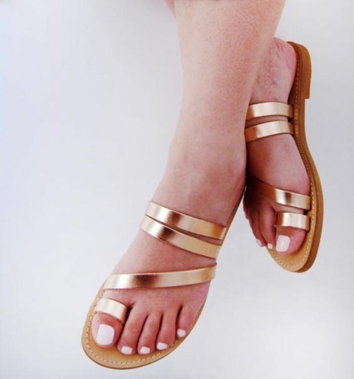 sandales-plates-femme-spartiates-femme-mode-tendances-de-la-mode-femme