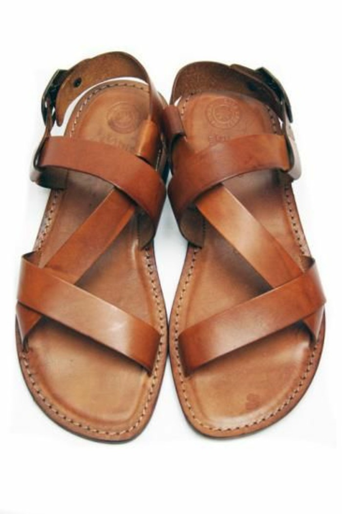 spartiates-femme-cuir-marron-tendances-mode-chaussures-d-ete-femme