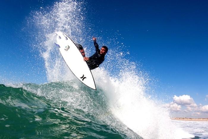 superbe-combinaison-surf-enfant-combinaison-o-neill-surfer-au-plain-confort-beauté-combinaison-homme-surf