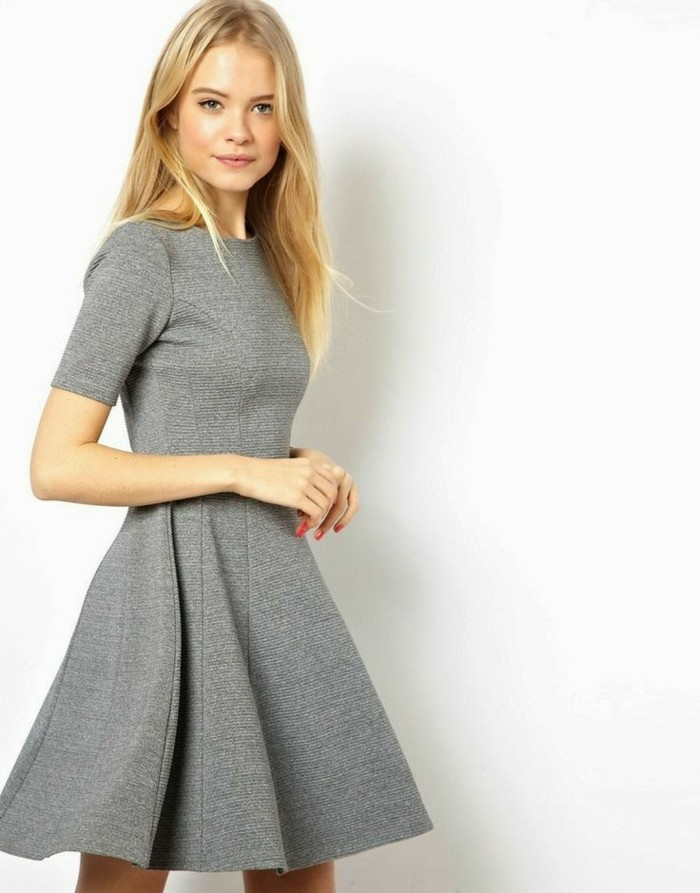 superbe-robe-ceremonie-maysange-idée-quoi-porter-cool-courte-gris