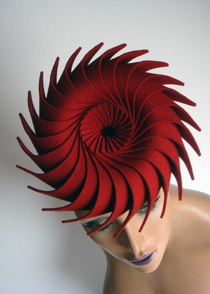 superbe-tenue-élégante-chapeau-en-rouge-carmin-on-aime