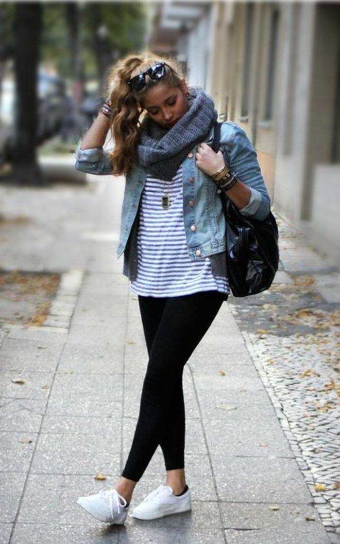 t-shirt-femme-aux-rayures-veste-blazer-femme-denim-sneakers-femme-blancs-tendances-de-la-mode