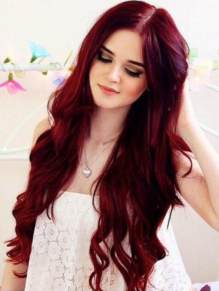 teinture-acajou-cheveux-longs-magnifiques