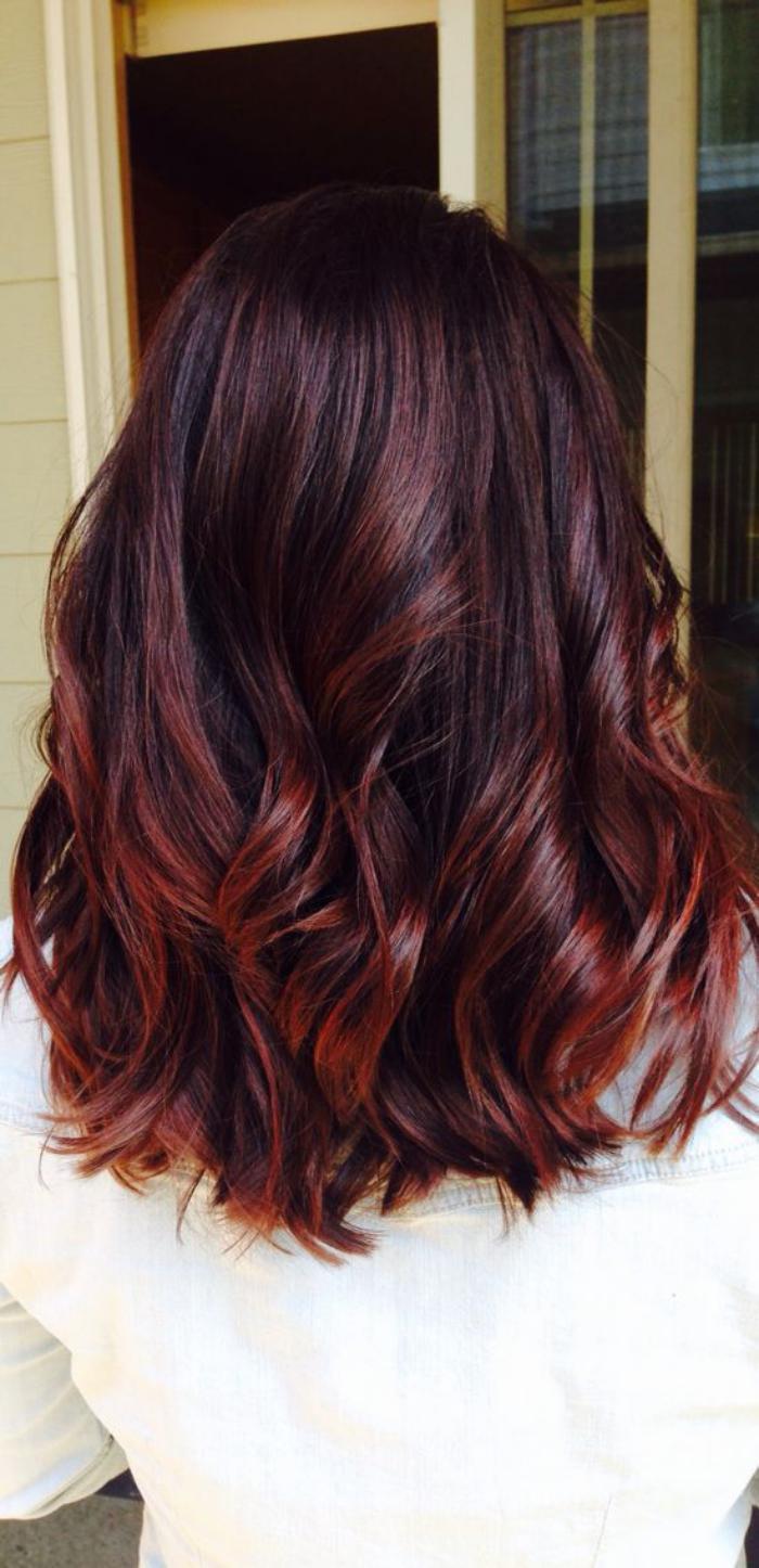 teinture-acajou-couleur-cheveux-acajou