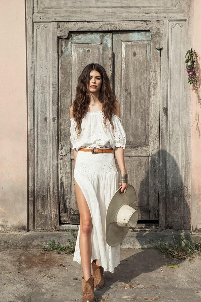tenue-moderne-jupes-longues--jupe-plissée-blanc