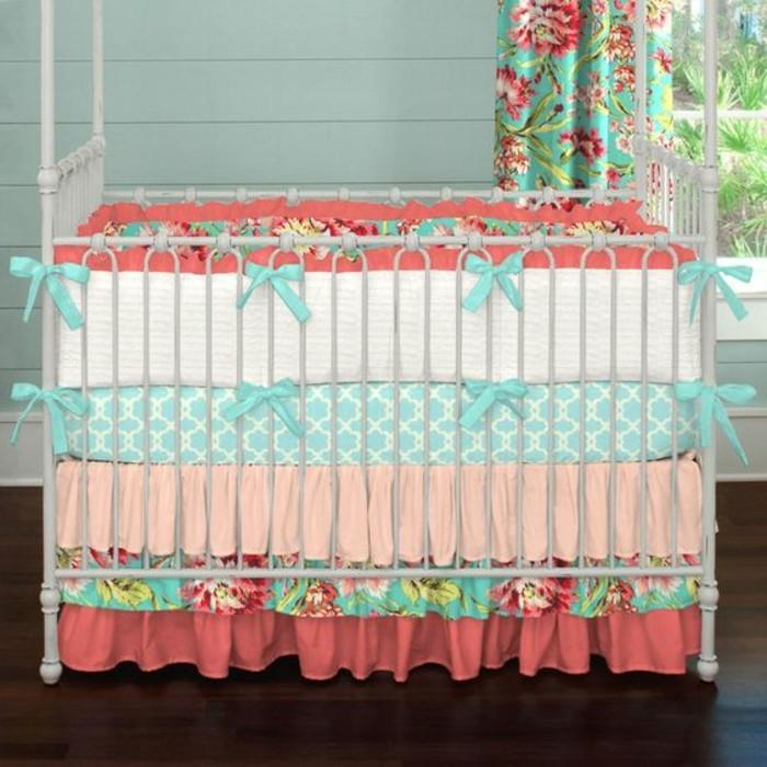 comment faire un tour de lit bb pour crer une atmosphre chaleureuse autour de bb pensez. Black Bedroom Furniture Sets. Home Design Ideas