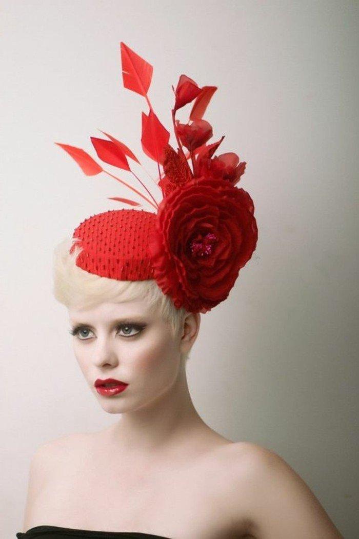 un-superbe-tenue-élégante-chapeau-en-rouge-carmin-on-aime-blonde