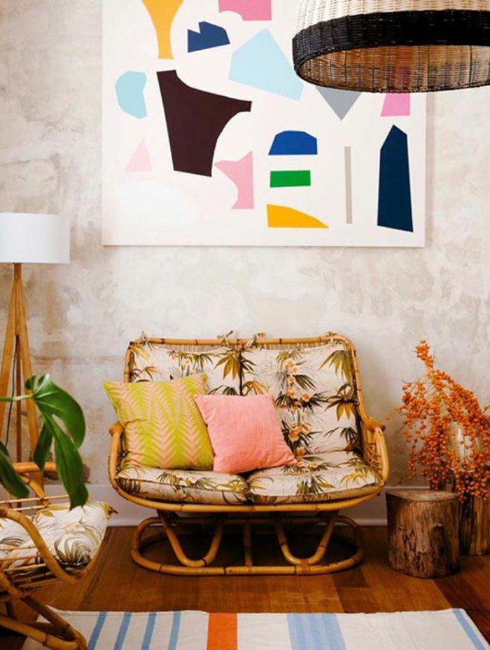 une-interieur-rustique-vintage-canapé-rotin-fauteuil-en-osier-chaises-rotin-chaise-en-osier-