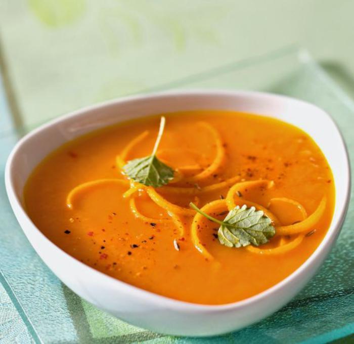 velouté-de-carottes-à-la-couleur-magnifique