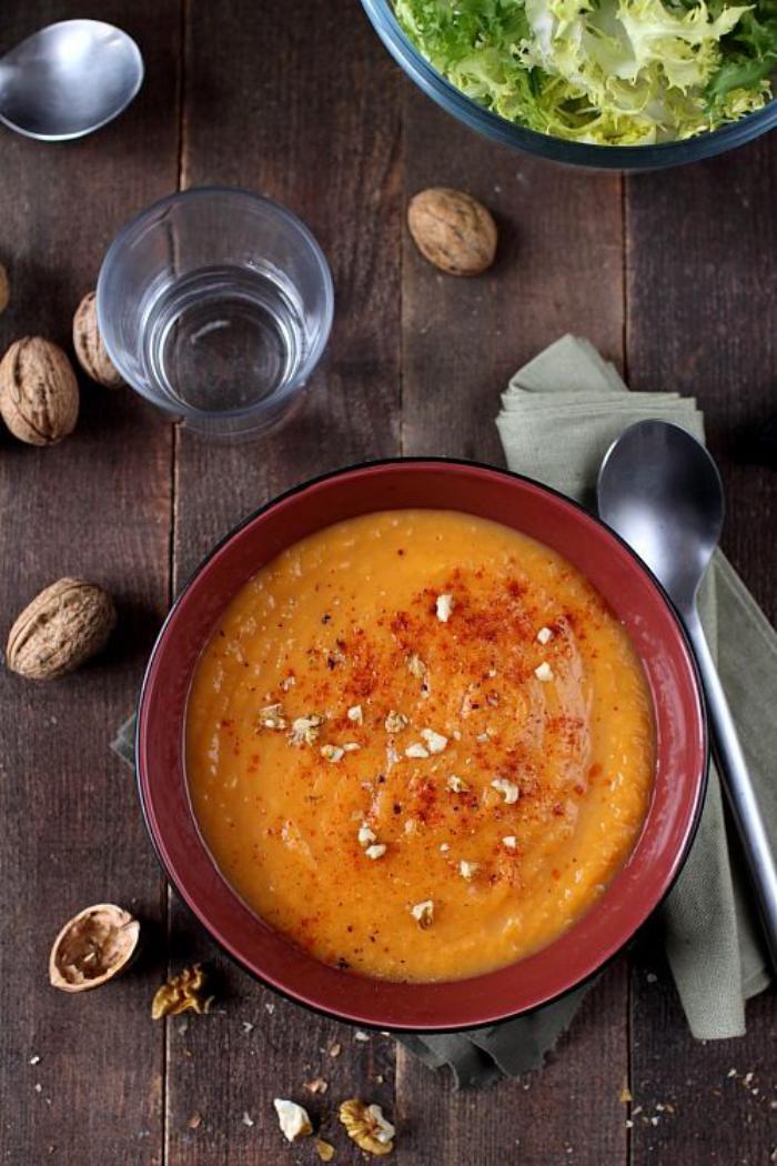 velouté-de-carottes-soupe-aux-légumes-frais