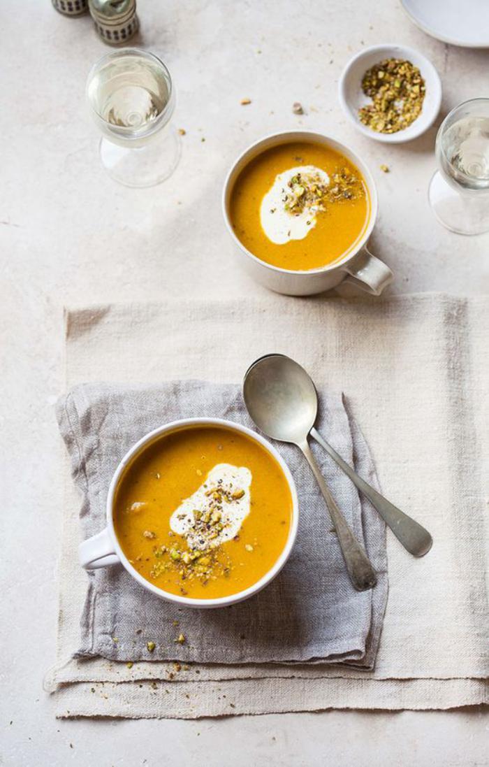 velouté-de-carottes-décorer-la-table-avec-ses-repas
